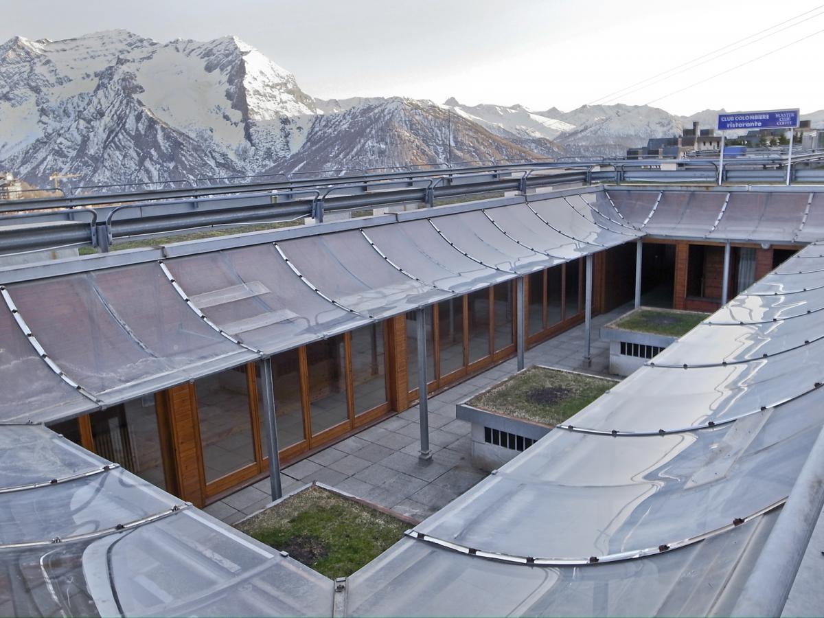 Gabetti isola architettura moderna for Noto architetto torinese